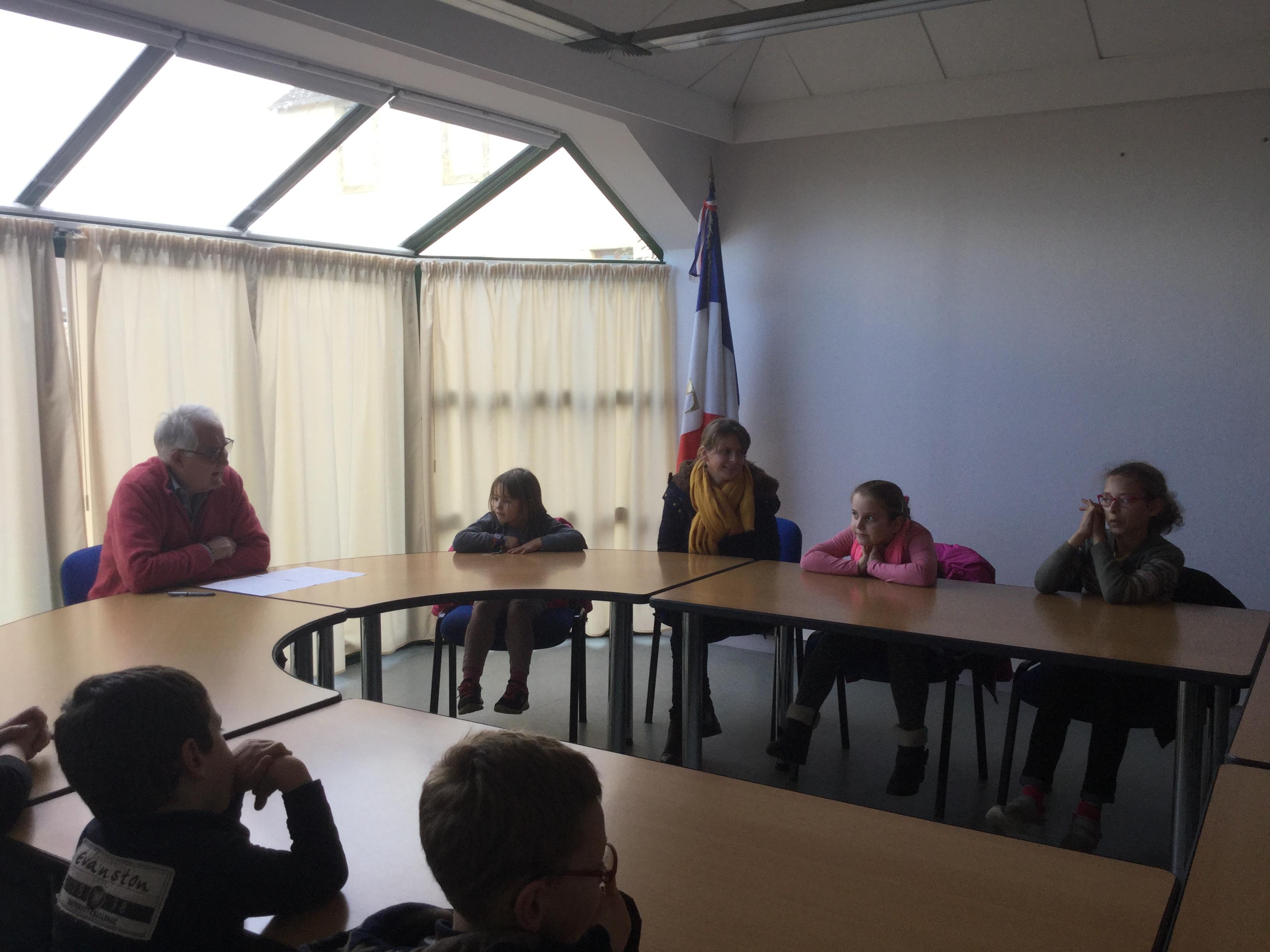 POLY'SKOL – une action de solidarité à St Nic – LA BOITE A DONS
